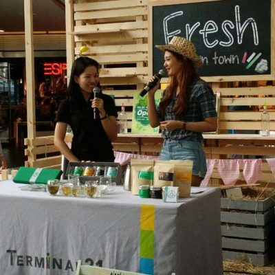 Tik Weeraya CEO The Giving Tea at Fresh in town event. Terminal 21. Herbal Tea.
